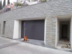 6 rivestimento del muro verso la strada