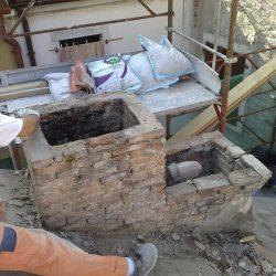 Demolizione del vecchio camino